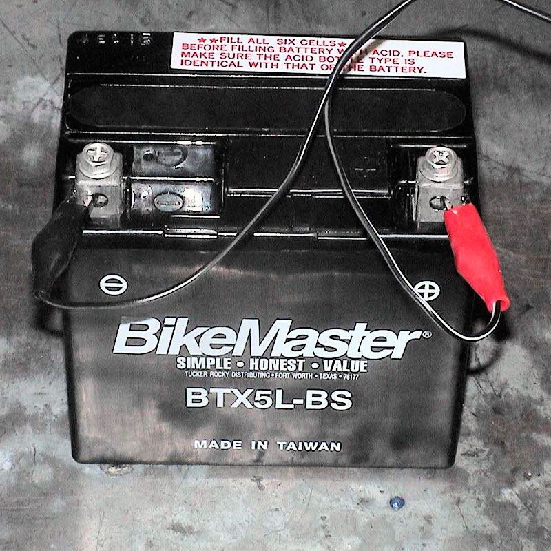 How to charge a motorcycle battery