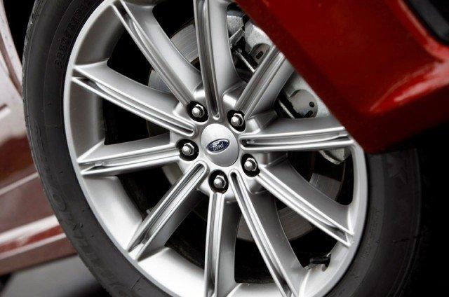 2013 Ford Flex Wheel